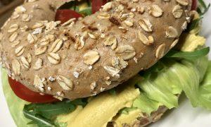 Bagel des Monats im Juni: Tropical Hummus